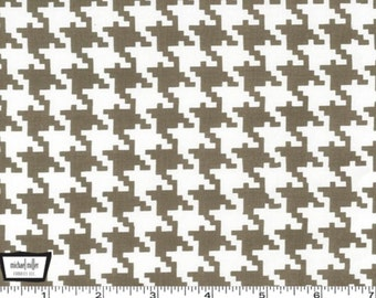 Everyday Houndstooth - Dirt Grey Brown from Michael Miller