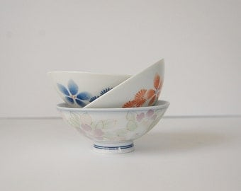 Vintage Oriental Bowls, Trio of white floral dishes, Chinese kitchen Rice or Noodle Bowls