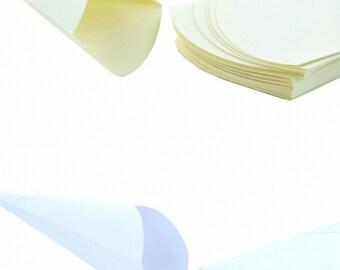 Paper Cones 25 pcs Ecrù or White