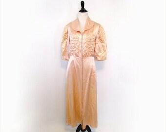 l SALE l Vintage 1930's Dress l Pink Satin Zip Front Dressing Gown Robe l Size Medium l Vintage Robe
