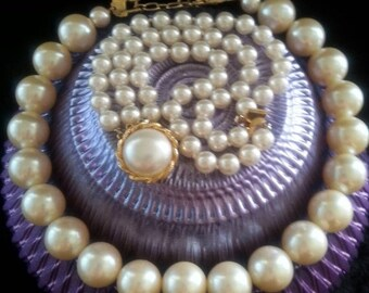NOW ON SALE Vintage Faux Pearl Demi Parure Collectible Necklace Bracelet Earring Set Mad Men Mod Retro Chunky Wide Black Tie Jewelry