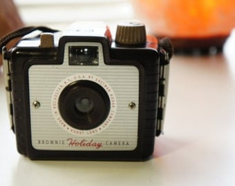 Eastman Kodak Brownie Holiday camera Made in Rochester, NY, U.S.A. 127 film