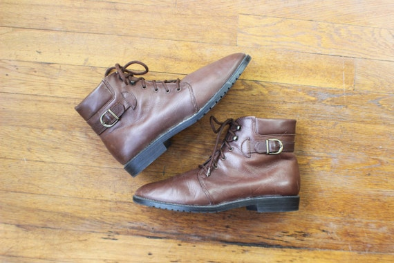 Size 9 1/2 / Lace Up Leather BOOTS / Women's Brown Ankle Boots / Vintage Shoes