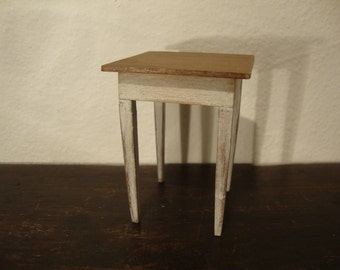 miniature little dollhouse table