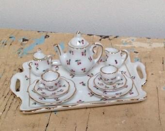 Beautiful vintage miniature tea set, made by Reutter Germany