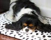 Black and White Spot Dog Bed Dalmatian Print Dalmatian Spot Washable Dog Bed Washable Crate Pad Dog Crate Mat Polka Dot Dog Bed Merlin Mat