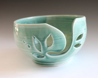 Ceramic Yarn Holder, Green Ceramic Yarn Bowl, Yarn Bowl, Handmade Yarn Keeper