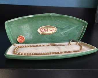 Vintage Deltah Pearl cultured pearl necklace original green pearlized marbelized clamshell box tags sterling silver clasp jewelry bargain 16