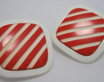 SALE! Large 1950's Plastic Earrings - Lucite Earrings - White and Red Earrings - Clip ons
