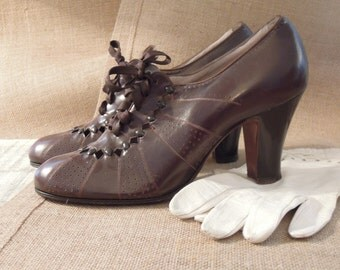 Vintage Brown Leather  Red Cross Shoes /  Diamond Cutouts / Leather 1940s Shoes Brown Oxfords