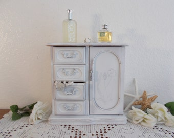 White Jewelry Box Rustic Shabby Chic Distressed Beach Cottage French Country Farmhouse Romantic Home Decor Birthday Gift Her Vintage Wood