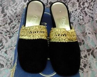 Vintage 1940s black velvet gold braid SLIPPERS SHOES Oomphies  ..size 7/M Never Worn Deadstock