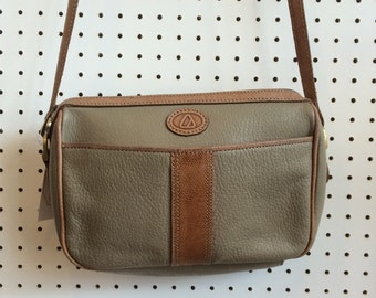 Vintage 1990s Liz Claiborne Beige and Tan Small Shoulder Handbag