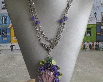 Collier pendentif Camée en céramique