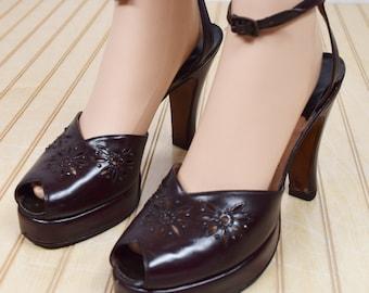 Vintage 1940's Palter DeLISO Leather Platform Peep Toe Art Deco Flower Glamorous Studded Stones Shoes Size 8