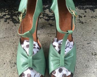 Vtg 60s Italian Leather Peep Toe Heels / T Strap / Mad Men / Size 8.5