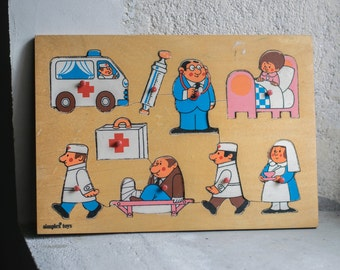 Vintage Wood Puzzle // 1960 Wooden Children Toy