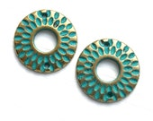 Round Brass Connectors, Patinated Brass Metal Casting bead, Rustic Green Patina, Circle, 21mm - 2pc - F467