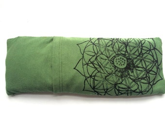 Unscented, Lavender or Lavender Mint Eye pillow with washable cover / Organic Cotton and bamboo