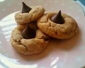 Peanut Butter Kiss Cookies, handmade cookies, fresh cookies, holiday cookies, peanut butter blossoms, peanut butter and chocolate cookies