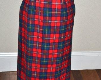 Vintage  Pendleton Plaid midi virgin wool Skirt Norman  70's skirt size 6 Fall winter fashion.  made in USA