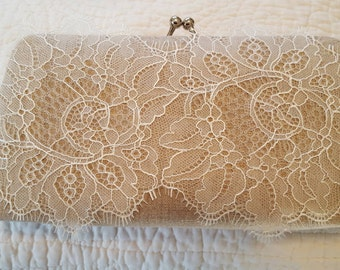 Linen Bridal Clutch - Linen and Lace - Rustic Wedding Clutch - Lace Bridal Purse