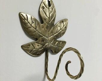 Vintage Leaf Hook in Brass