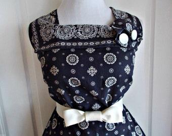 Vintage 1950s Navy Blue Bandana Print Sun Dress Day Dress Rockabilly VLV Large