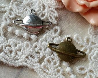 13 x 20 mm Antique Bronze / Silver Saturn Pendants  (.mu)