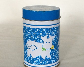 Canister Holds 2 cups Blue White Floral Milk Cow Farm Animals
