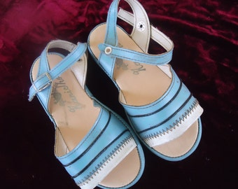 Absolutely Adorable Retro Girls' Sandals!!!