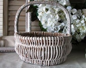 Wedding Favor Basket- FREE SHIP- Vintage Basket-Towel Basket-Farmhouse Decor-Farmhouse Basket-Organizing Ideas-Shabby Decor-French Country