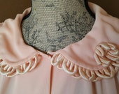 Vintage Women's Robe Soft Peach Embellished Button front Housecoat Dressing Gown Size Medium/ Large/ Extra Large