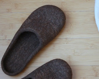 SALE Felted wool slippers for women or men - brown house shoes - Wedding gift - unisex slippers