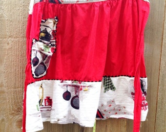 1950s Half Apron / Red and White Kitchen Print