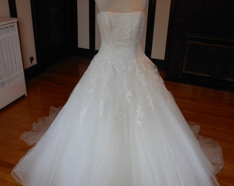 Stunning Beaded Bridal Wedding Dress Gown