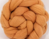 Hand dyed Targhee top - Madder - 4.5 oz.