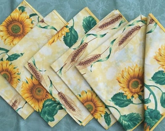 Set of 6 Vintage Cloth Dinner Napkins - never used
