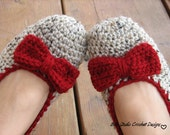 Crochet Womens Slippers - Oatmeal with Red Bow, Accessories, Adult Crochet Slippers, Home Shoes, Crochet Women Slippers