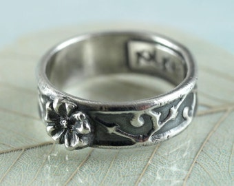 Sterling Band Ring - Vine Pattern Band with Flower Focal - Romantic and Oxidized