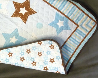 "Blue ""n"" Brown Stars Quilted Panel Crib Blanket"