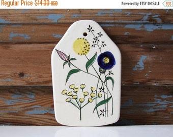 SALE Limburg Echt Dom-Keramik Vintage Platter Flowers