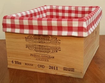 Wooden wine crate / storage box with a vichy / gingham liner