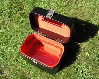 Vintage Black Red Cosmetic Case or Jewelry Box, Mid Century Faux Leather Make Up Purse, Black Pleather Handbag Case, Red Lining with Mirror