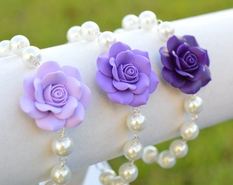 Purple Shade Rose and Pearls Bracelet. Purple Rose bracelet. Purple Flower bracelet.