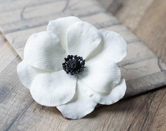 White anemone flower hair clip - anemone wedding  accessories - bridal hair accessories - large flower clip, big flower clip - bridal flower