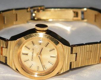 Vintage Ladies Caravelle Bulova Swiss 17 Jewels Windup Mechanical Watch