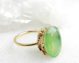 quartz ring, green quartz, gold ring, druzy ring, OOAK, gemstone ring, skinny band, boho, faceted ring