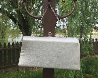 Vintage Metallic Silver Clutch with Metal Chain // Wedding Purse // Free Shipping // Evening Handbag // 1960's