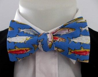 Mens bowtie ~ Gone fishing ~ what a catch! ~ necktie ~ neoud ~ handmade bowtie